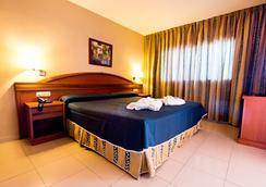 Hotel Bahía Tropical - Almuñecar - 睡房