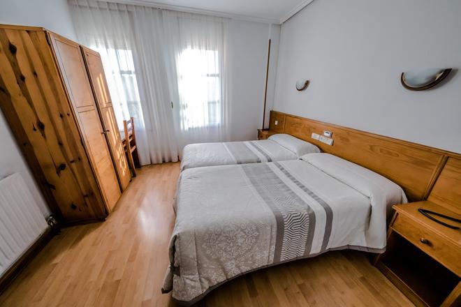 阿尔维旅馆 - 索里亚 - 睡房