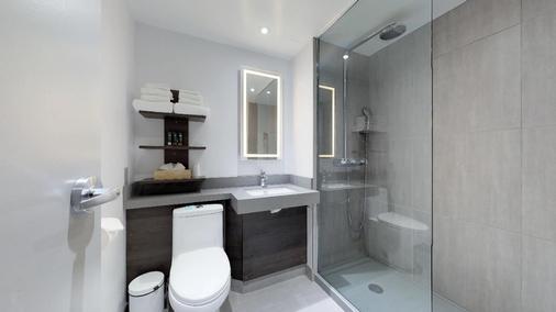 渥太华诺福特酒店 - 渥太华 - 浴室