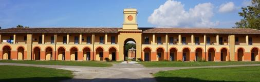 卡萨莱拉斯特帕亚酒店 - 比萨 - 建筑