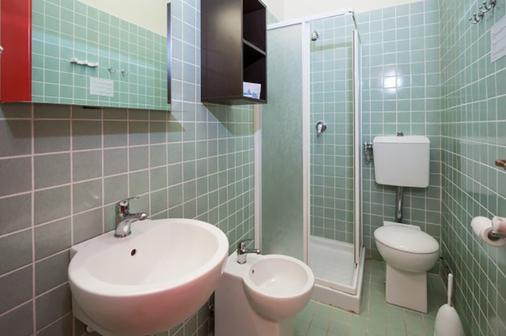 卡萨莱拉斯特帕亚酒店 - 比萨 - 浴室