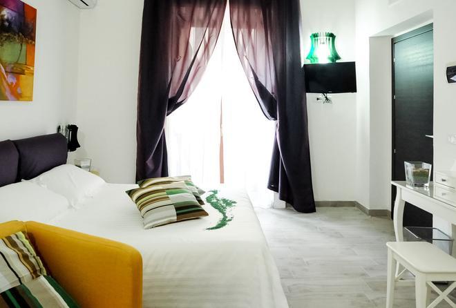 埃特纳套房旅馆 - 卡塔尼亚 - 睡房