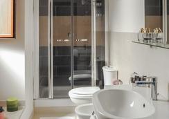 埃特纳套房旅馆 - 卡塔尼亚 - 浴室