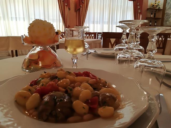 欧元酒店 - 圣乔瓦尼·罗通多 - 食物