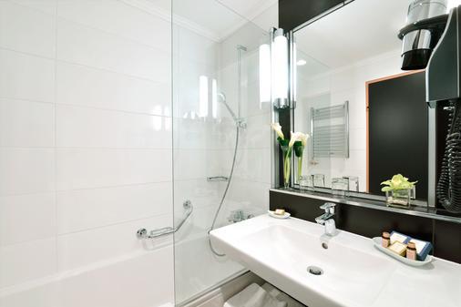 丹乌比斯玛格丽塔岛大酒店 - 布达佩斯 - 浴室