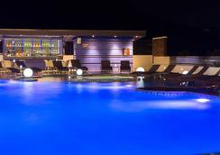 普吉易思因雅玛酒店 - 卡伦海滩 - 游泳池