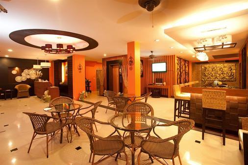 巴东德瓦套房酒店 - 芭东 - 大厅