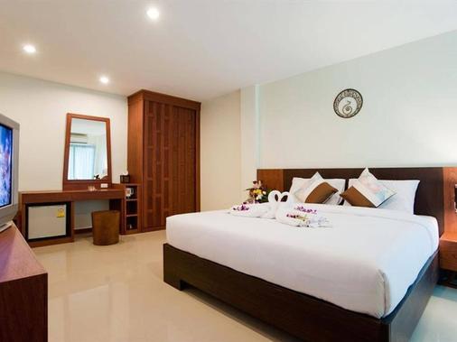 巴东德瓦套房酒店 - 芭东 - 睡房