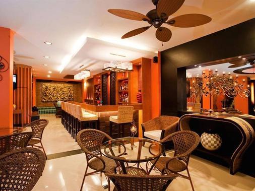巴东德瓦套房酒店 - 芭东 - 酒吧