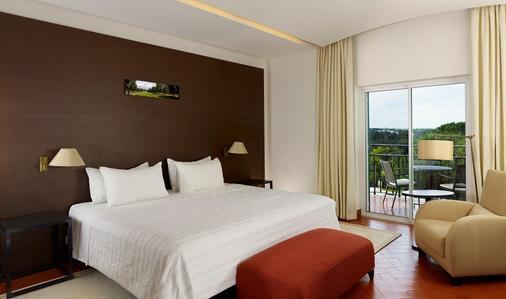 佩尼娜高尔夫度假酒店 - 波尔蒂芒 - 睡房