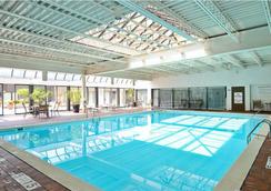 水牛城大酒店 - 布法罗 - 游泳池