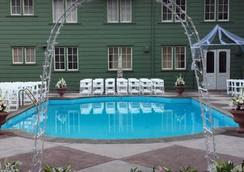 尤里卡旅馆 - 尤里卡 - 游泳池