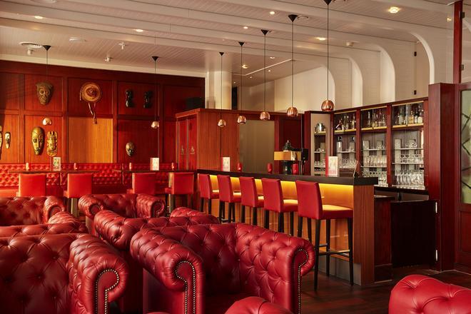 汉堡伯格多夫华美达酒店 - 汉堡 - 酒吧