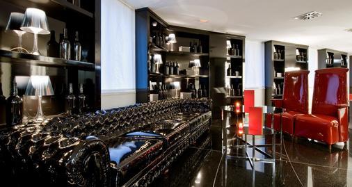 温齐66号酒店 - 马德里 - 酒吧