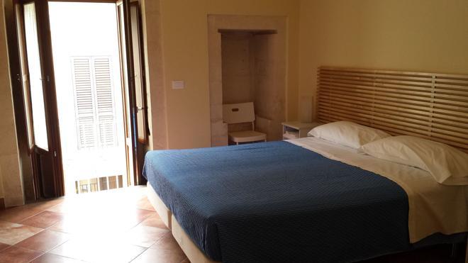 伊布里天堂住宿加早餐旅馆 - 拉古萨 - 睡房
