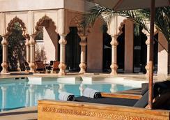 马拉喀什纳马斯卡皇宫酒店 - 马拉喀什 - 游泳池