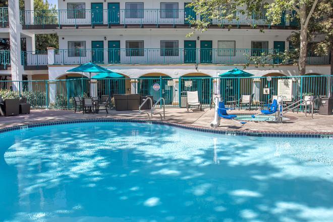圣路易斯奥比斯波品质酒店 - 圣路易斯-奥比斯保 - 游泳池