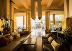 曼谷湄南河畔华美达广场酒店 - 曼谷 - 大厅
