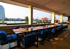 曼谷湄南岸华美达酒店 - 曼谷 - 餐馆