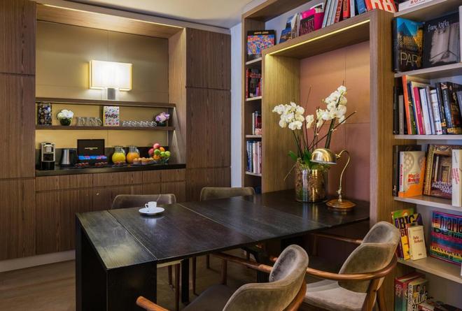 图维尔艾菲尔酒店 - 巴黎 - 自助餐