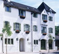 劳伯格卡梅尔瑞莱堡酒店