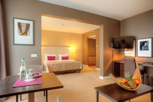 慕尼黑瑞拉诺酒店 - 慕尼黑 - 睡房