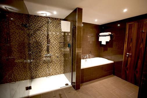Clayton Hotel Dublin Airport - 都柏林 - 浴室