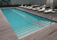 里斯本vip水疗大酒店 - 里斯本 - 游泳池