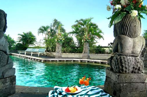 鲁米尔会议酒店 - 雅加达 - 游泳池