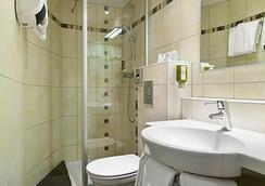 第戎中心北品质酒店及纪尧姆门餐厅 - 第戎 - 浴室