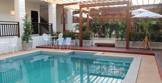 温灿迪酒店 - 清莱 - 游泳池