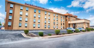 巴灵顿套房酒店 - 布兰森 - 建筑