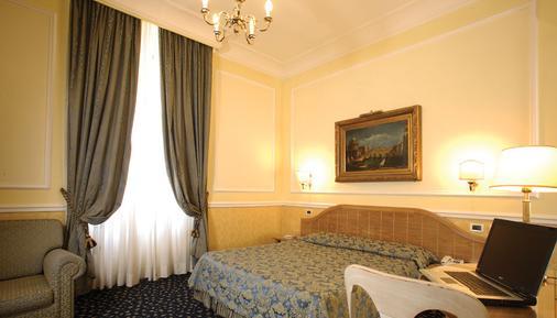 吉格里奥歌剧院酒店 - 罗马 - 睡房