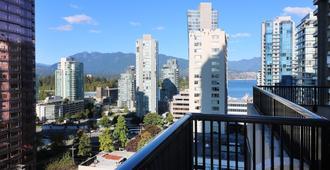 温哥华市中心里维埃拉罗布森套房酒店 - 温哥华 - 阳台