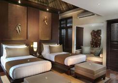马哈普拉别墅酒店 - 登巴萨 - 睡房
