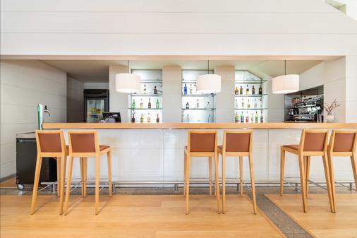 圣拉萨罗欧洲之星酒店 - 圣地亚哥-德孔波斯特拉 - 酒吧