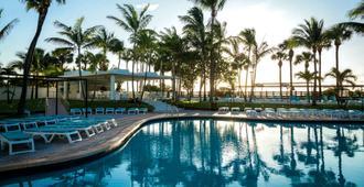 迈阿密海滩瑞尤广场酒店 - 迈阿密海滩 - 游泳池