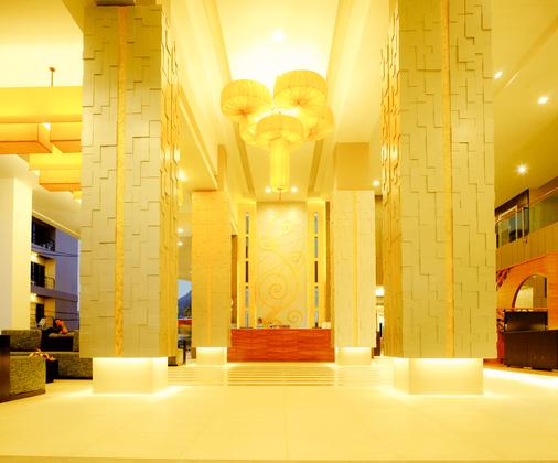 安达凯拉酒店 - 芭东 - 柜台