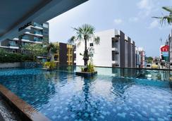 安达凯拉酒店 - 芭东 - 游泳池