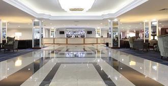 伦敦希思罗机场万丽酒店 - 豪士罗 - 大厅