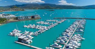圣灵群岛珊瑚海度假酒店 - 艾尔利滩 - 户外景观