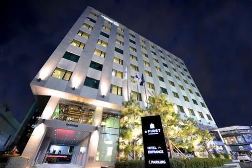明洞第一酒店 - 首尔 - 建筑