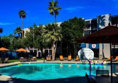 502酒店 - 凤凰城 - 游泳池