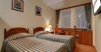 斯勒藤斯卡亚酒店 - 莫斯科 - 睡房