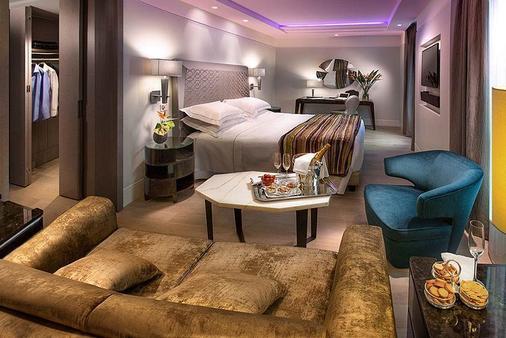 卡弗尔酒店 - 米兰 - 睡房