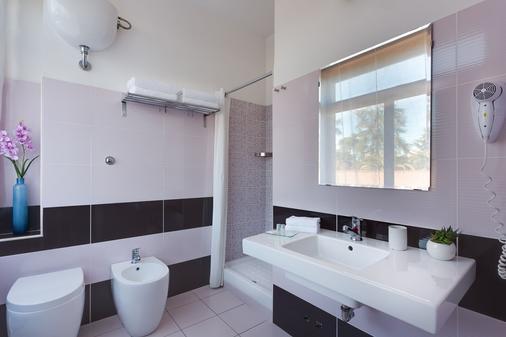 迪瑞沃龙门塔拉酒店 - 罗马 - 浴室