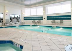 波特兰市中心海滨万豪长住酒店 - 波特兰 - 游泳池