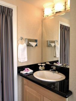 威基基阿瓜阿洛哈冲浪酒店 - 檀香山 - 浴室