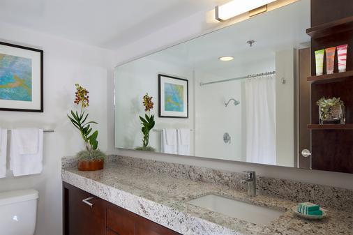 伊利凯豪华公寓式酒店 - 檀香山 - 浴室