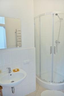 广场旅馆 - 利沃夫 - 浴室